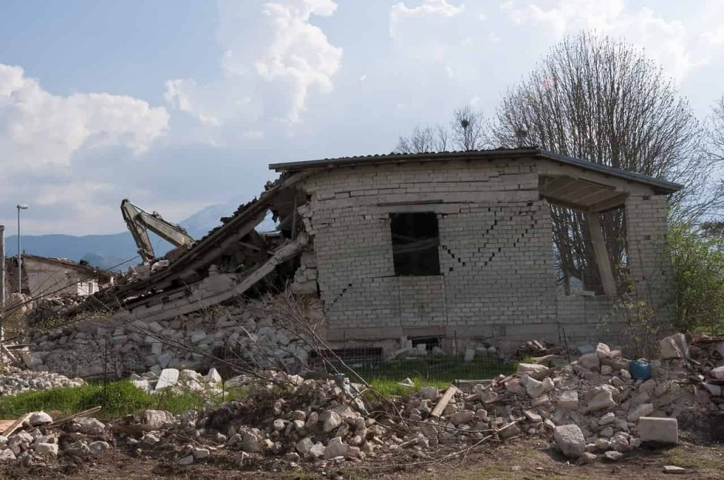 Dream Meaning of Earthquake - Dream Interpretation