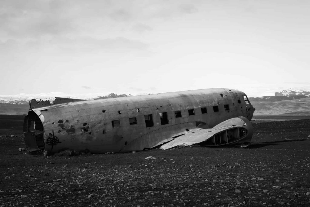 What does dream about plane crash means