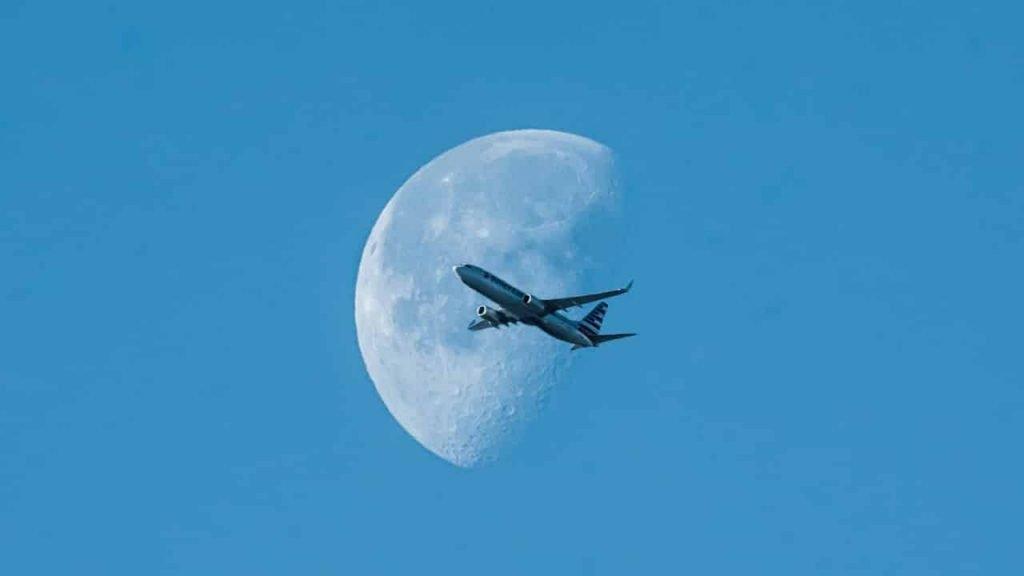 AIRPLANE DREAM MEANING - Dreams Interpretation Guide