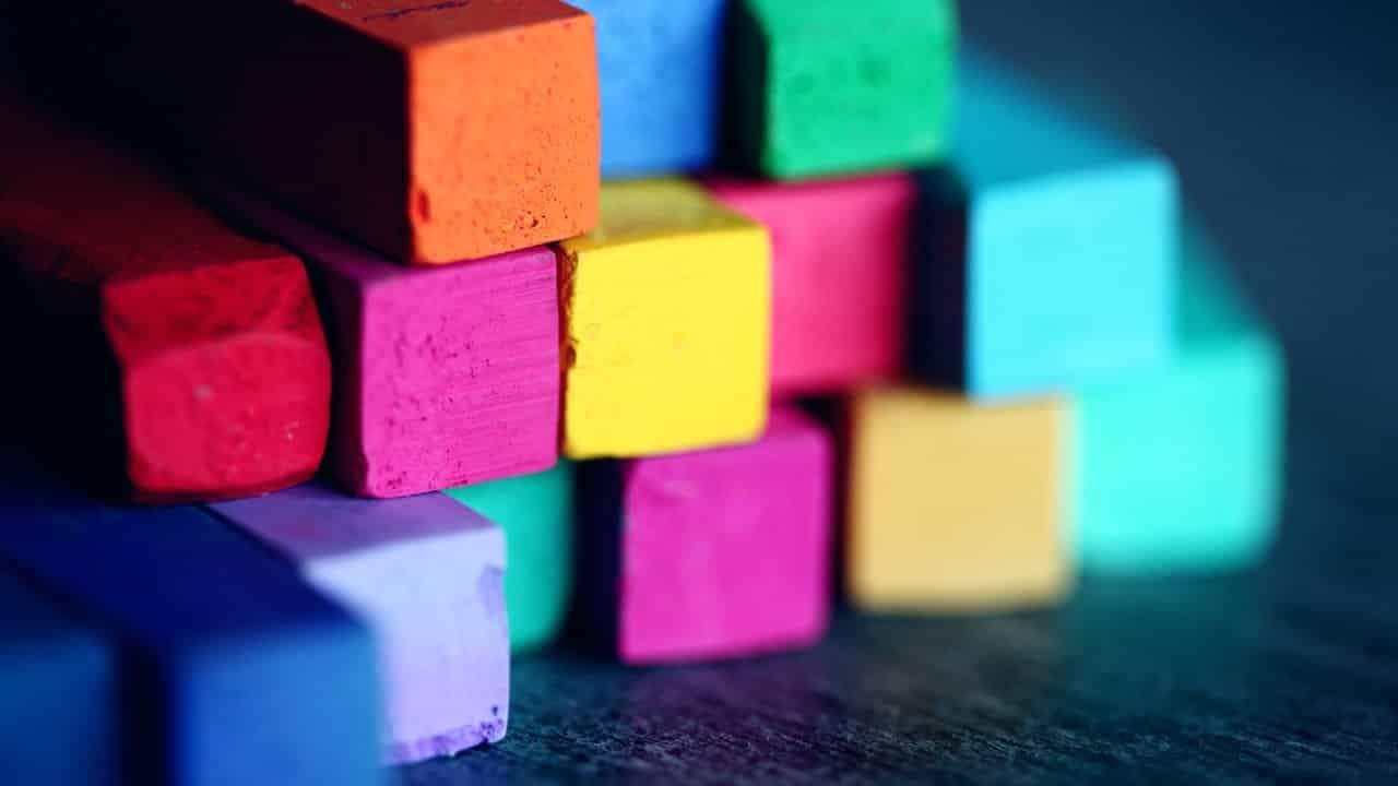 Color : Colours Dream Dictionary- Interpret Now! - Regular dream