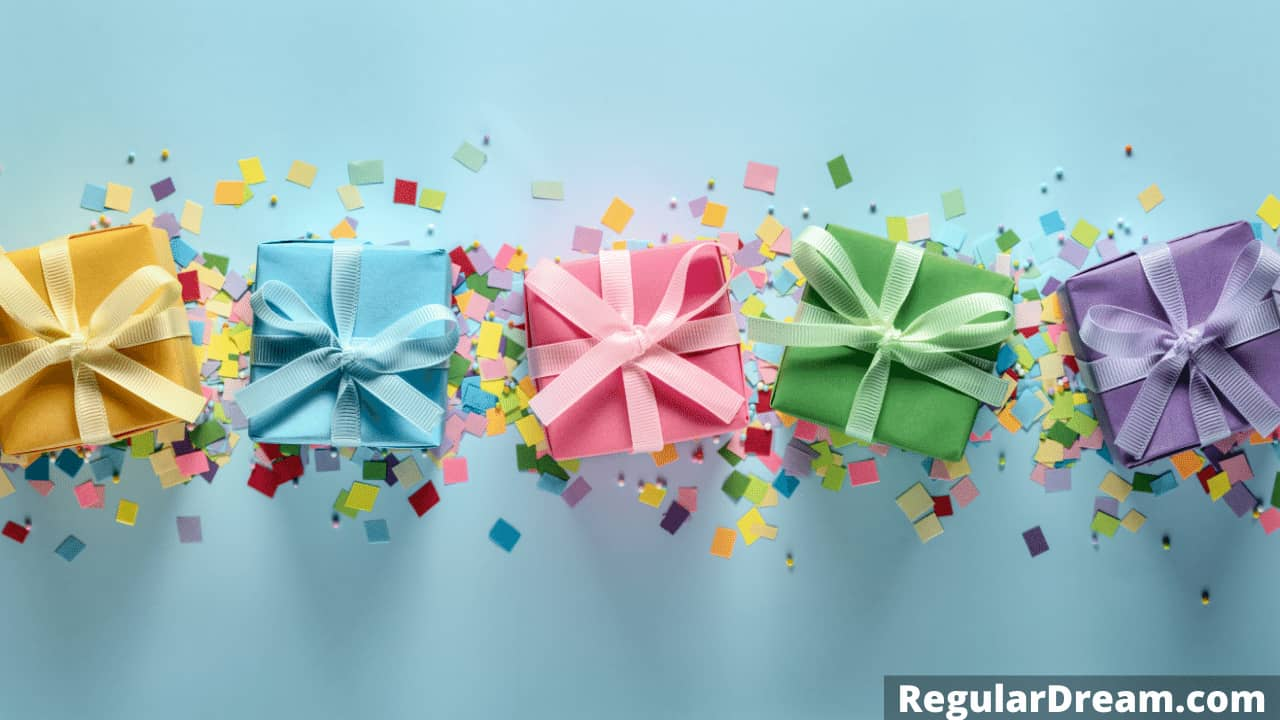 Dream of a pile of Gifts - Dream about getting a lot of gifts