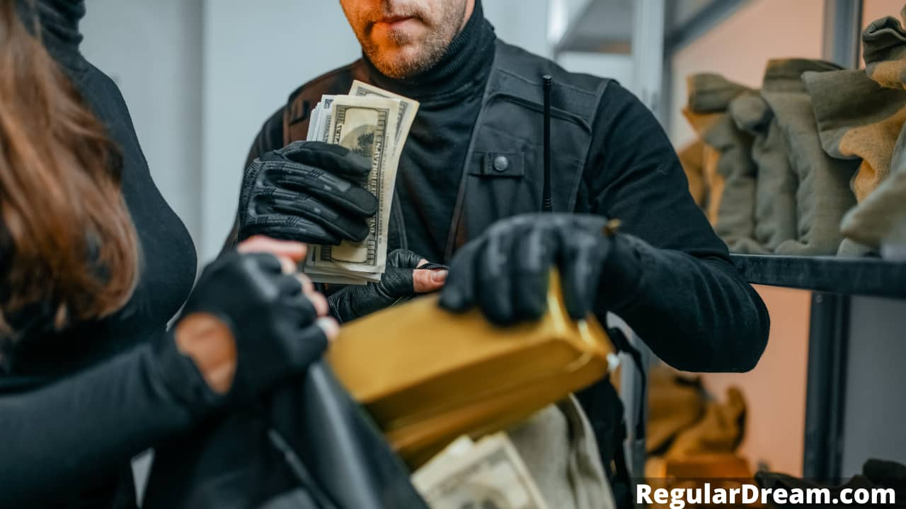 Dream about being robbed - What does dream about robbery really means