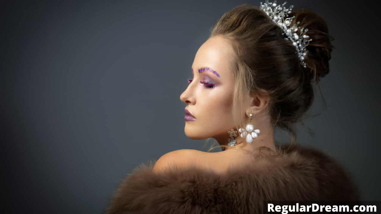 What Queen Symbolise in Dream? Queen in dream meaning and sign