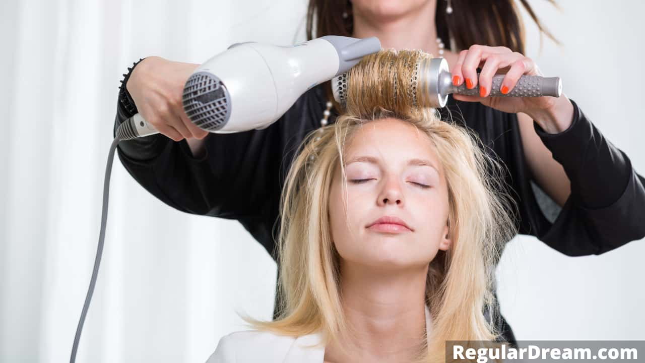 What does it mean to dream about Hairdresser? Hairdresser dream symbolism